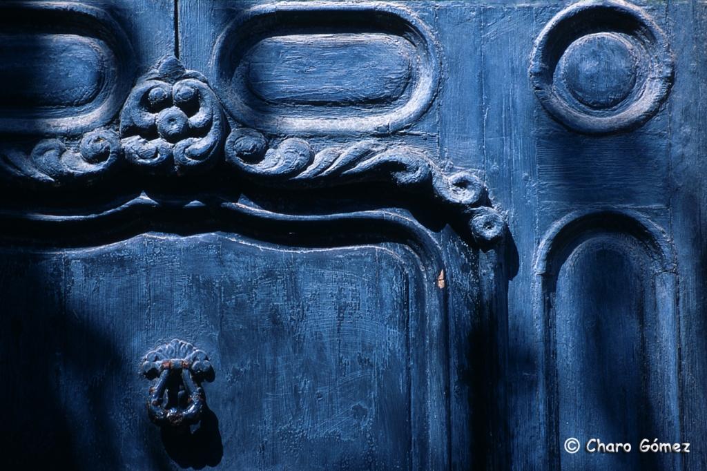 puerta-azul